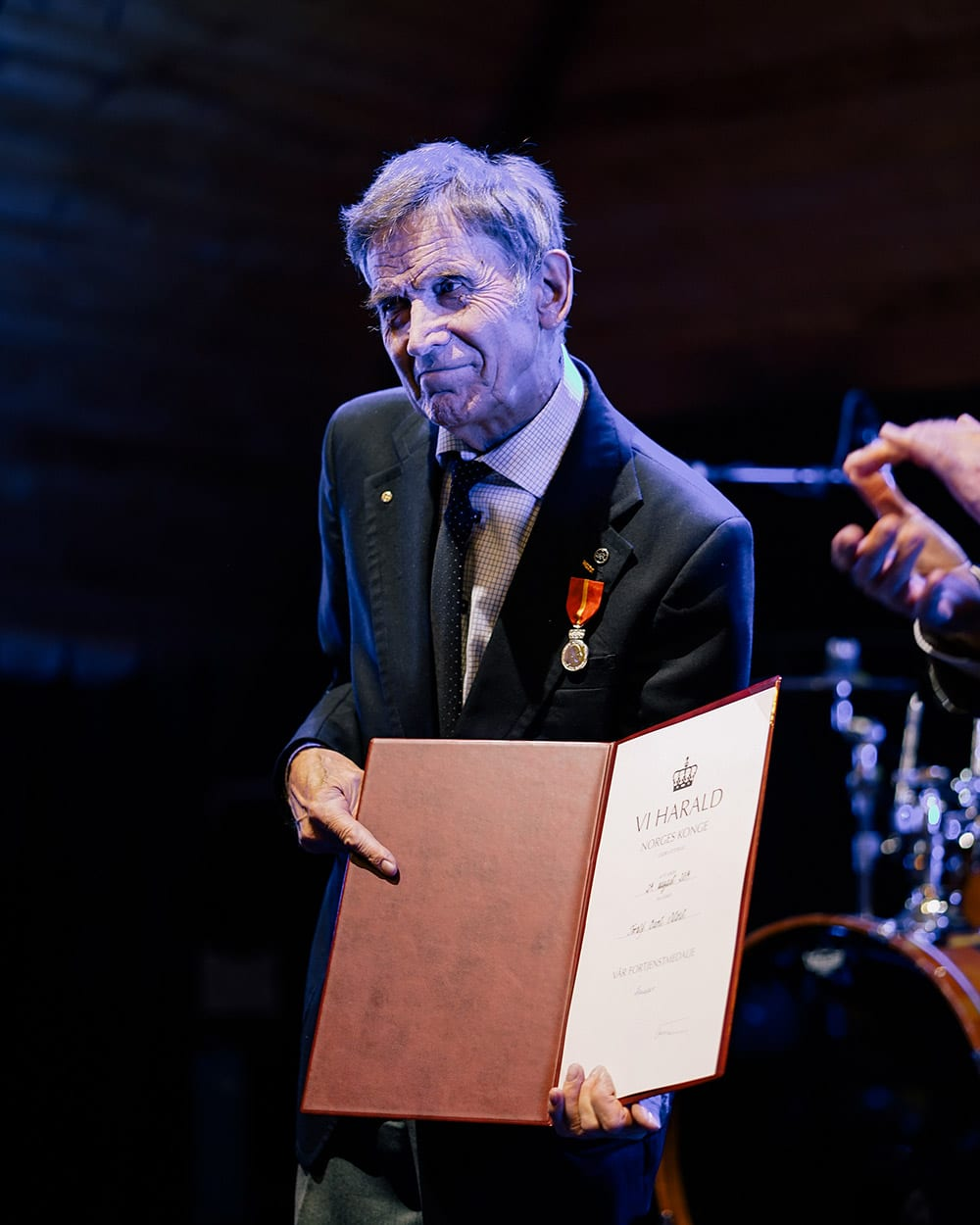Toralf Bernt Metveit mottar Kongens Fortjenstmedalje 4. oktober 2019. Foto: Anna Rogneby